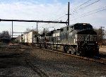 NS 9365, 2735 lead detoured NS I5T